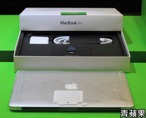青蘋果 Macbook Air - 2